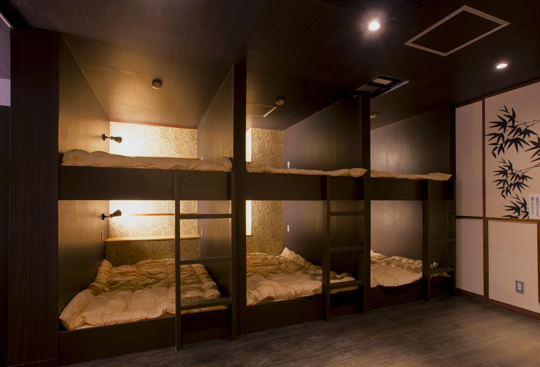 ドミトリールームのセミダブル二段ベッド