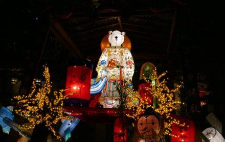 台北で最も古い寺「龍山寺」の旧正月の様子