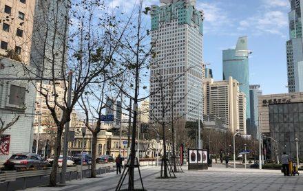 上海・静安寺周辺の閑散とする街並み
