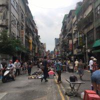 日常生活を取り戻し始めた台北の街