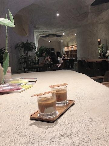 上海• テーブルに置くだけで「映え写真」に!