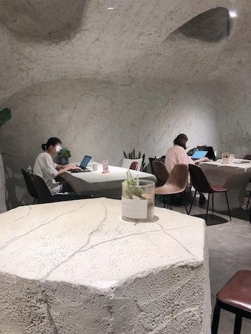 上海•シェアオフィスのよう。仕事もはかどりそう?