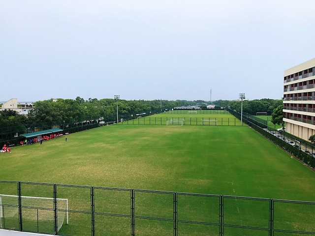 上海•見渡す限りの「緑」、グラウンドが続く訓練基地