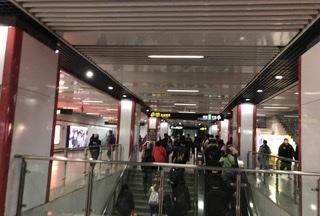 上海地下鉄構内