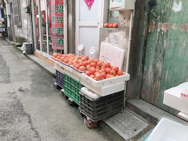 上海・トマトの路上売り!